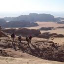 sejour-Trekking-randonnée-jordanie-descente-sur-abu-amata-rum