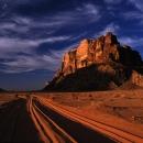 jordanie-piste-de-jeep-dans-le-wadi-rum_mv