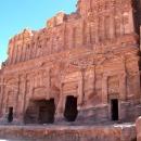 jordanie-un-des-tombeaux-royaux-a-petra