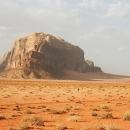 jebel-um-ischrin-depuis-khazali-au-printemps-wadi-rum-photo-david-roberts
