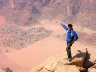 le-guide-mohammed-hamad-on-jebel-um-ischrin-top