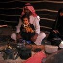 bedouins-en-famille-sous-tente_mv