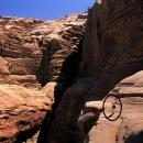 jordanie-dans-un-labyrinthe-de-siq-et-de-dalles-improbables_mv