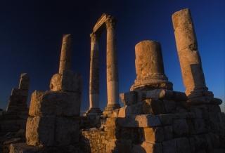 jordanie-colonnade-jerash_mv