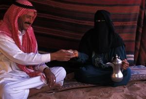 Sous la tente bédouine traditionnelle