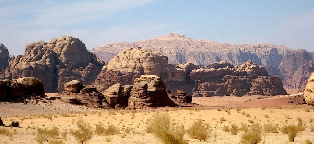 CLIMBING JEBEL RUM AND BEDOUIN ROUTES